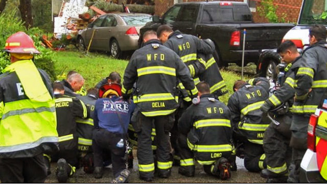 Wilmington firefighters pray
