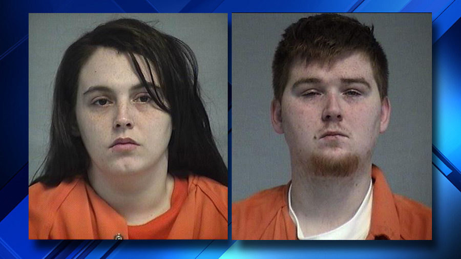 Texas parents accused of abandoning toddler near busy road
