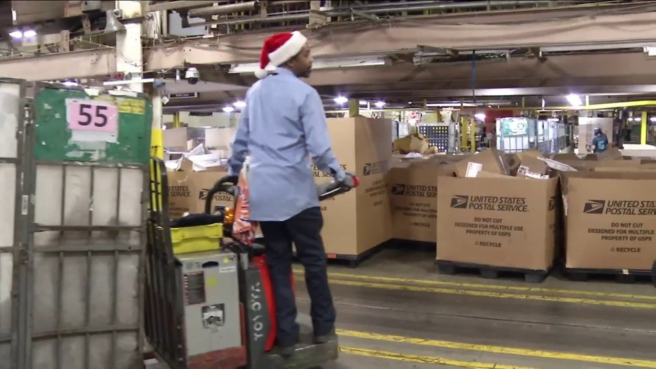 Jacksonville USPS distribution center busy as North Pole