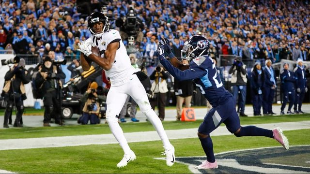Nick Foles has made early impression on Jaguars WR Dede Westbrook