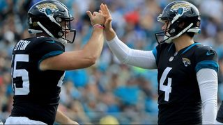 Jaguars re-sign long snapper Matt Overton