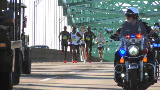 elite men on Hart Bridge