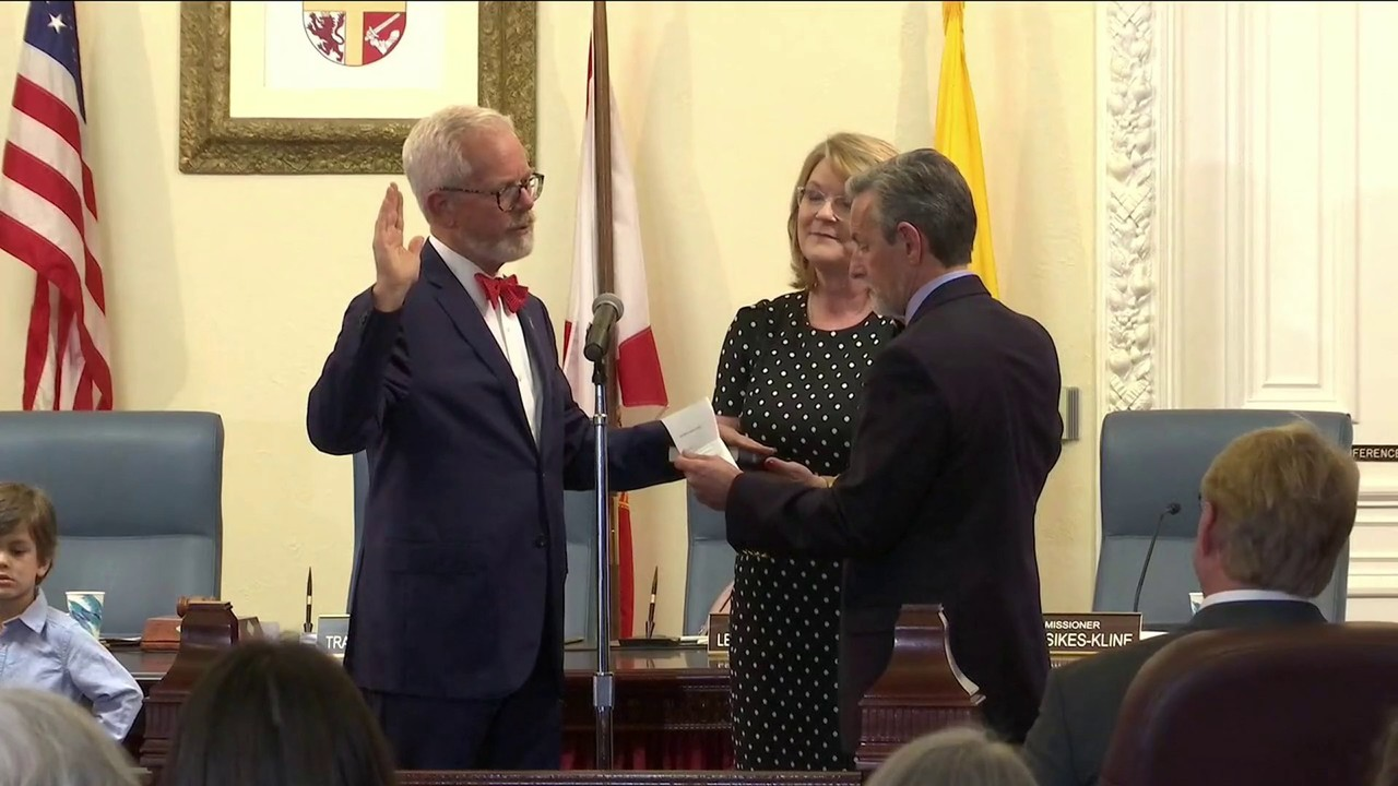 Tracy Upchurch sworn-in as St  Augustine mayor, again