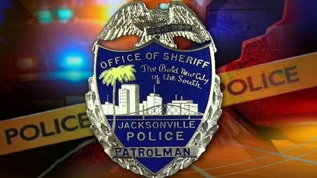Jacksonville officer accused of pulling gun on girlfriend, 2 other women
