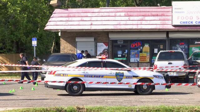 Man shot, killed at Speedway gas station on Beaver Street, police say