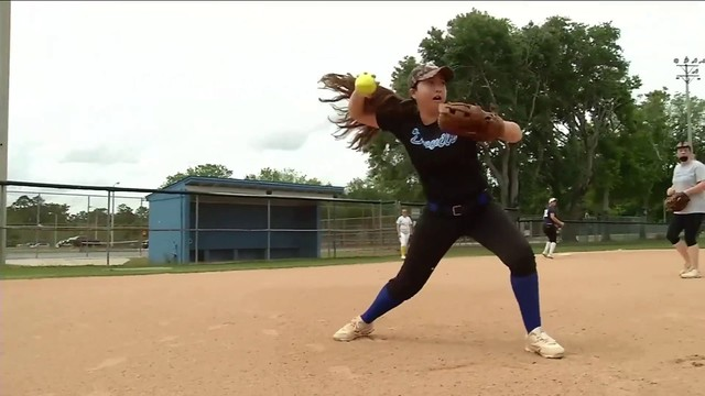Clay High softball player Sydney Lewis diagnosed suddenly with rare for of MS