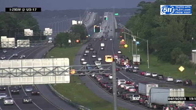 Man killed in crash on I-295 just west of Buckman Bridge