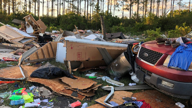 Tornado hits Camden County&#x3b; twister leaves mark on SE Georgia