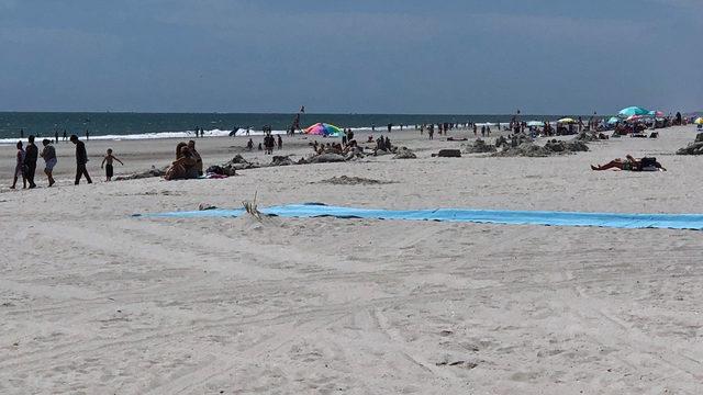 Man drowns saving 12-year-old grandson at Florida beach