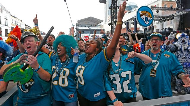 Jaguars to open seven training camp practices to fans in 2019