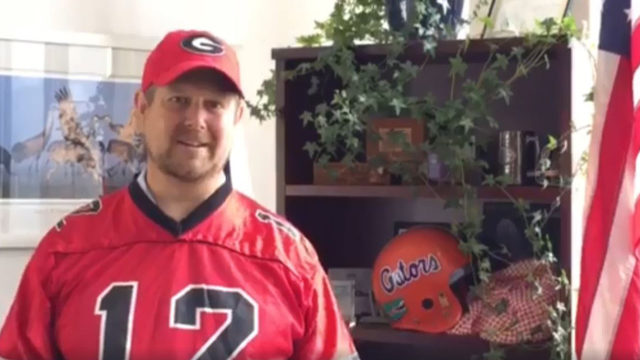 Gainesville mayor loses water bet, dons Georgia Bulldogs gear