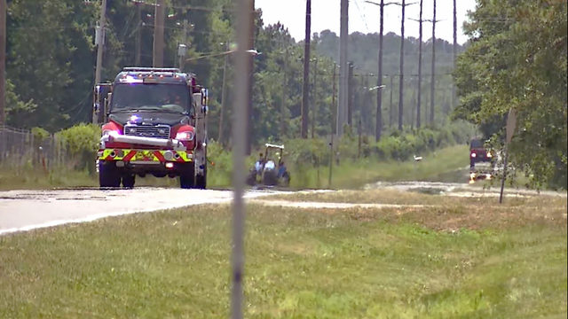 2 planes land after apparent mid-air collision in Clay County