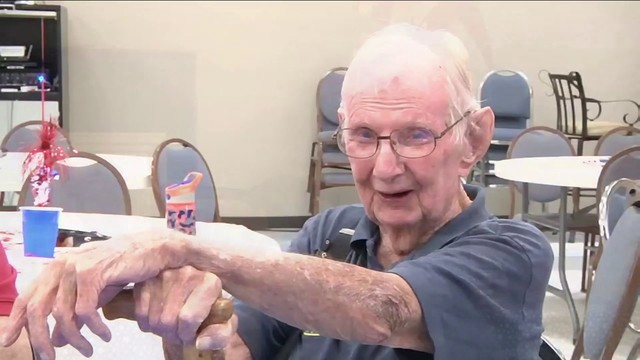Veteran honored by community with quilt