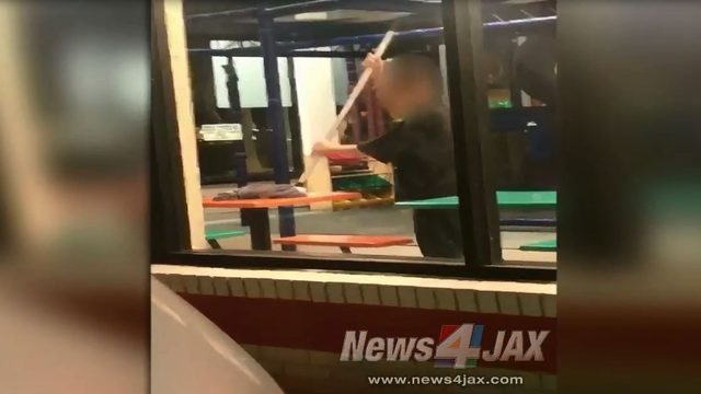 Fruit Cove Burger King worker seen mopping tables in play area