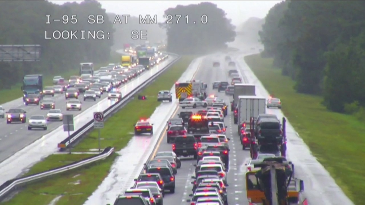 Motorcyclist hit by lightning in Florida crashes, dies