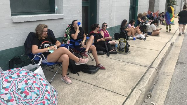 Why are so many fans lined up early for Twenty One Pilots?