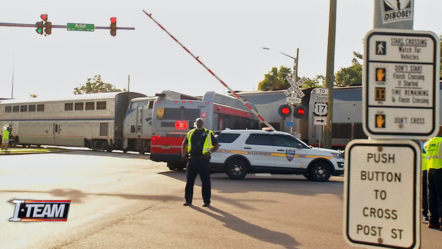 Are JTA buses following best practices at railroad crossings?