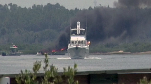 4 rescued from boat burning in Intracoastal Waterway