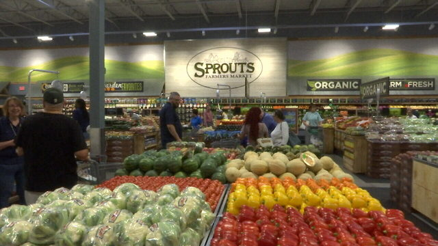 Jacksonville's 1st Sprouts Farmers Market opens