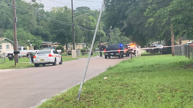Driver hits car, lawn service worker in Westside Jacksonville neighborhood