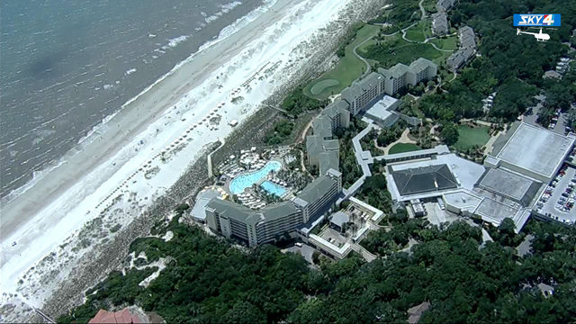 Sheriff: Teen bitten by shark while vacationing on Amelia Island