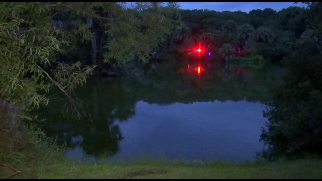 Girl rescued, mother dies in car overturned in Hanna Park pond
