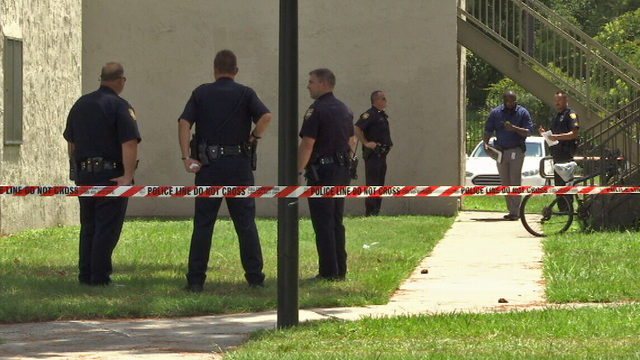 Police investigate shooting at Southside apartment complex