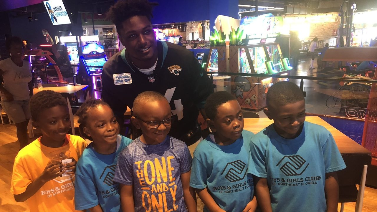 Myles Jack has special message for kids on First Coast