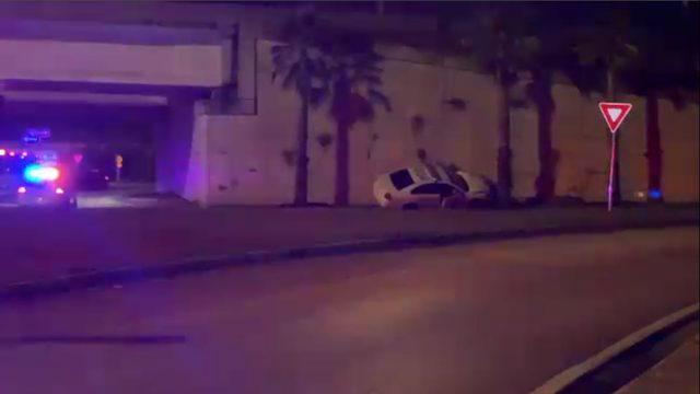Jacksonville officers recovering after fight, crash in Arlington