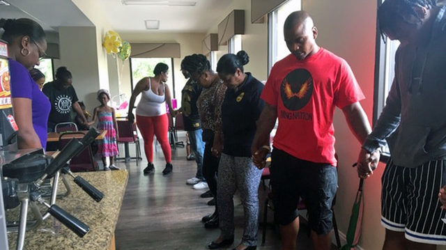 Jags player Jalen Ramsey visits displaced apartment residents