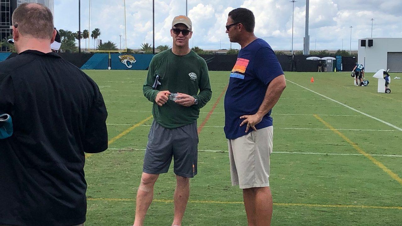 Peyton Manning makes appearance at Jaguars camp