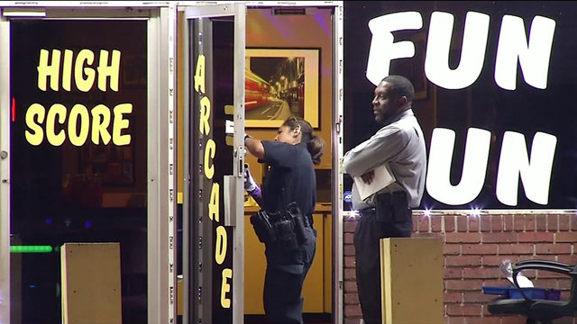 Security guard shot, killed in adult arcade robbery
