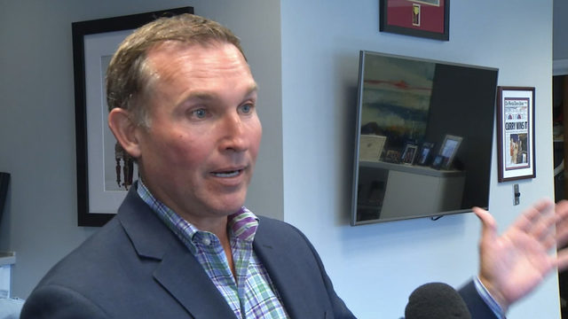 Mayor Curry: Keep elected school board; also wants elected superintendent