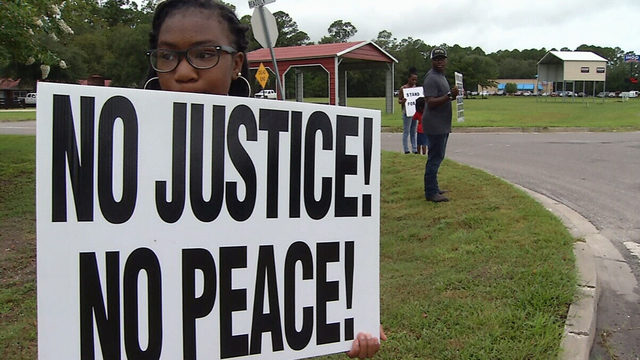 Rally demands justice for Kingsland father shot and killed by officer