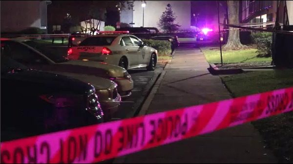 Normandy Apartments residents try to save shooting victim