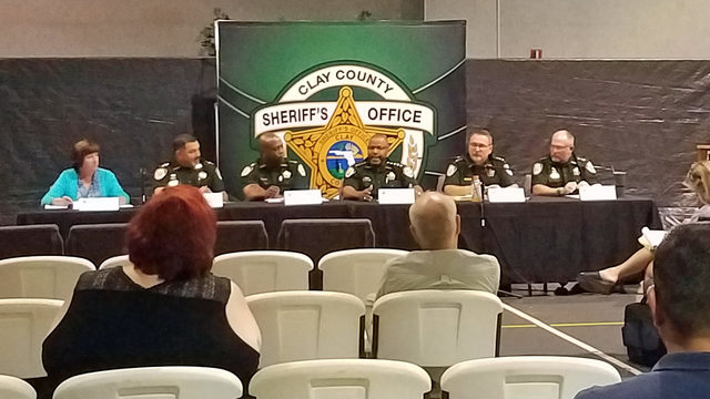 Sheriff offers public apology to wife at town hall on proposed budget increase