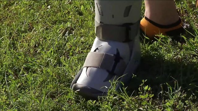 Teen hurt in hit-and-run while walking to school bus stop, mom says