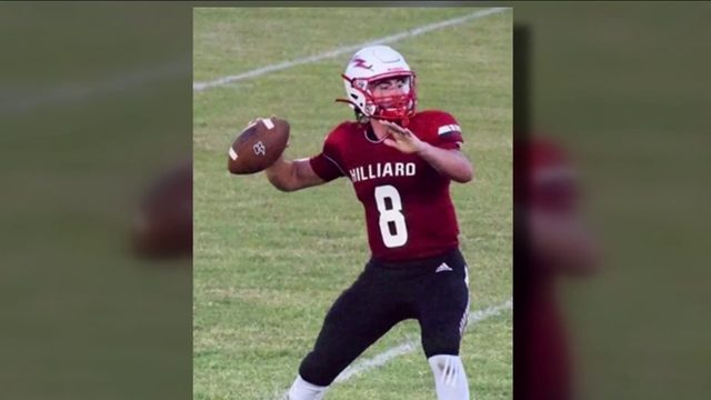 Community gathers to raise funds for hospitalized Hilliard quarterback