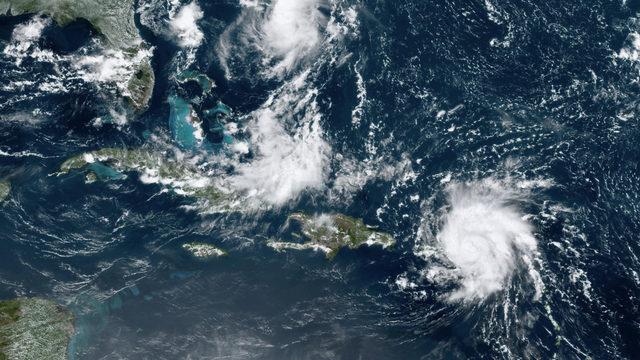 Hurricane Dorian weakens to Category 2, but will still batter Florida coast