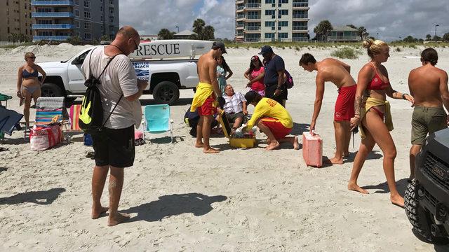 Shark bites man in water off Jacksonville Beach