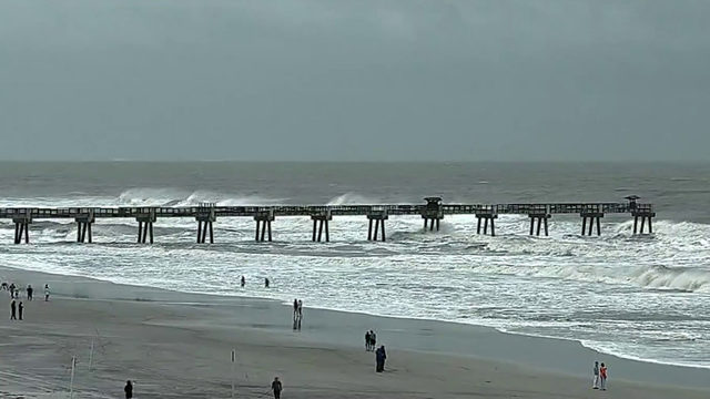 Curfew lifted & alcohol sales resume at Jacksonville beaches