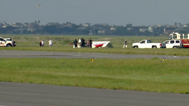 Flight instructor Patty Wagstaff injured when plane flipped on landing