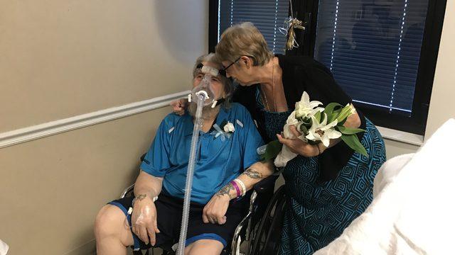 Couple gets married at Orange Park Medical Center