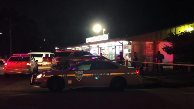 Man, 20, dies after shooting outside Englewood convenience store