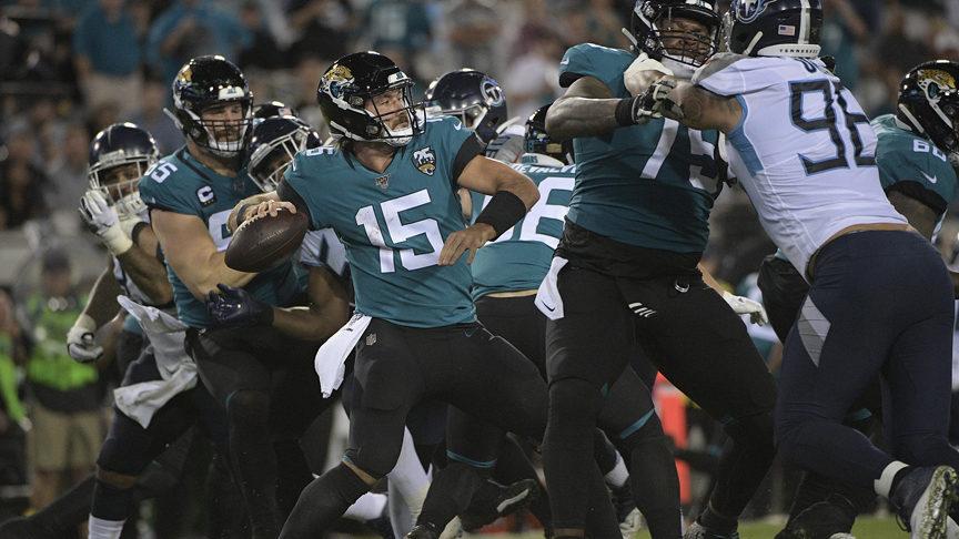Minshew, defense lead Jaguars to big win