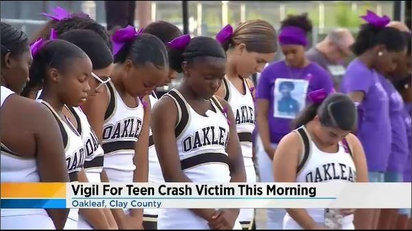 Vigil held for Oakleaf student killed in a car crash