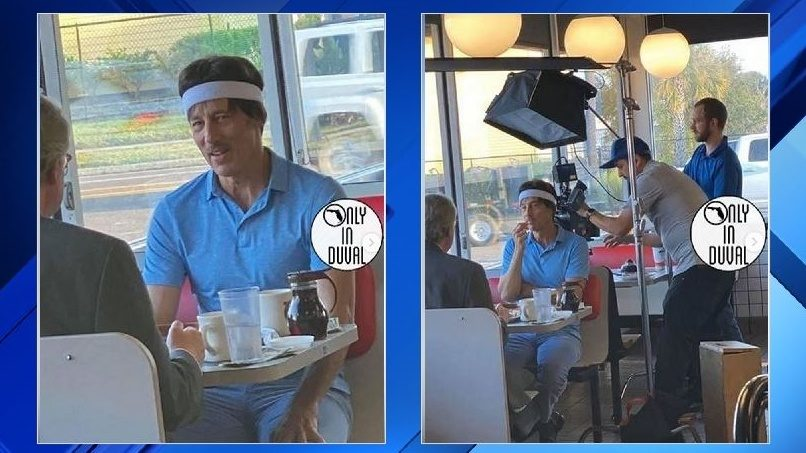 'Uncle Rico' dines at Jacksonville Beach Waffle House