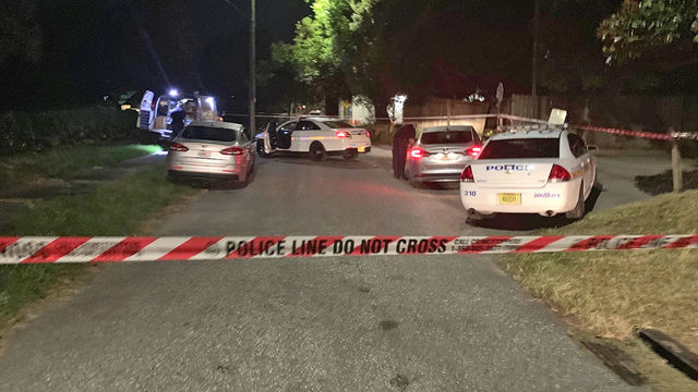 4 people shot at party in Mixon Town