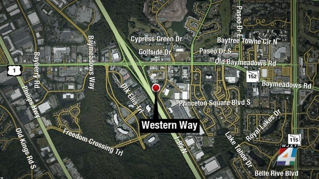 1 killed, 2 injured in head-on collision in Baymeadows