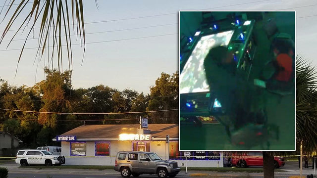 Adult arcade outside of Fernandina Beach robbed at gunpoint